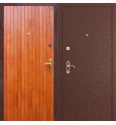 Входная дверь с  с отделкой из вагонки и ламината В-4